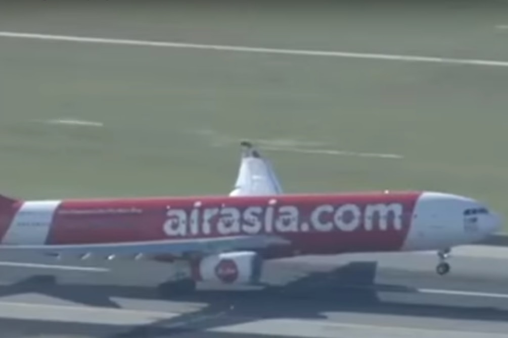 מטוס, אייר אסיה