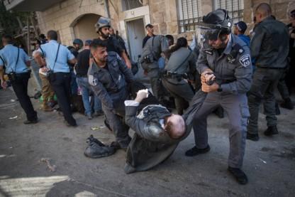 מאה שערים, פשיטת משטרה, אלימות