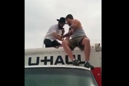תפילין, על משאית