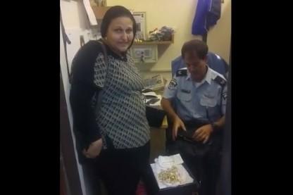 משטרה, תכשיטים