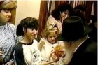 הרבי, ילדה עם בובה