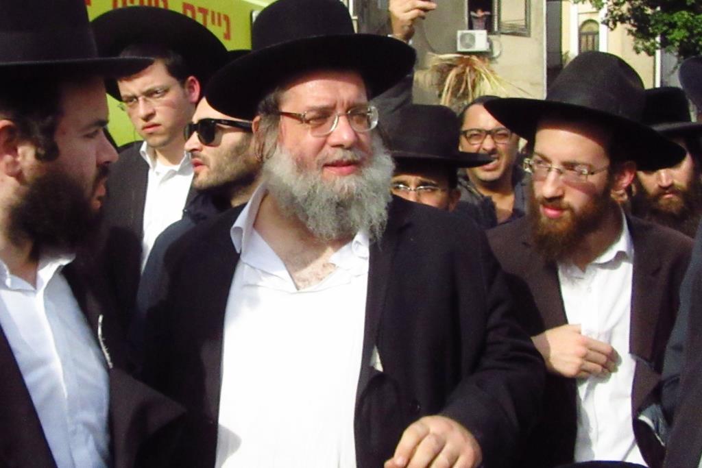הרב שניידר