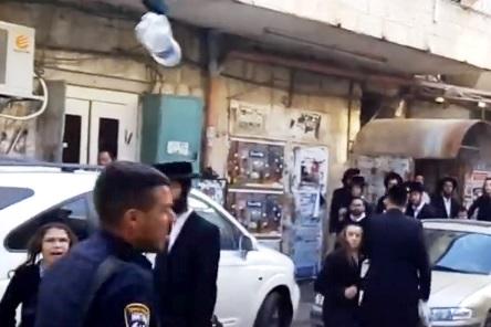 שוק מאה שערים, משטרה