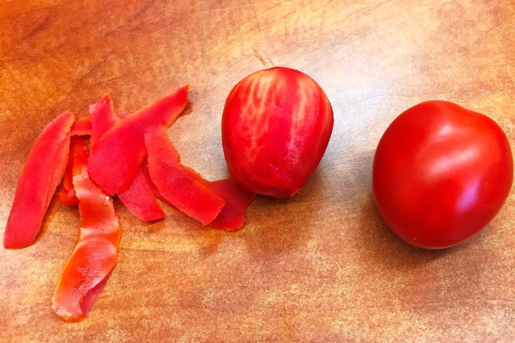 עגבניה מתקלפת