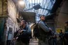 פיגוע דקירה, שוטרים, העיר העתיקה