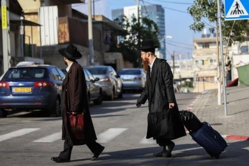 חרדים, תל אביב