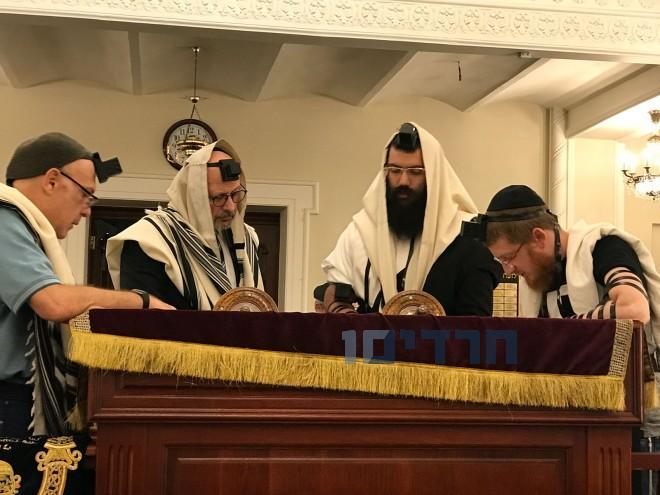 לוי אדרעי, הרב יואל ליאון