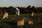 מזיבוז, בית קברות